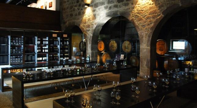 port-wine-tasting-tables